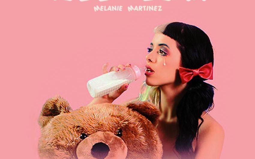牙缝妹melanie martinez新歌piggyback歌词版图片