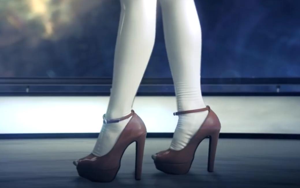 乳胶衣机械少女组合FEMM,单曲MV《Party All Night》