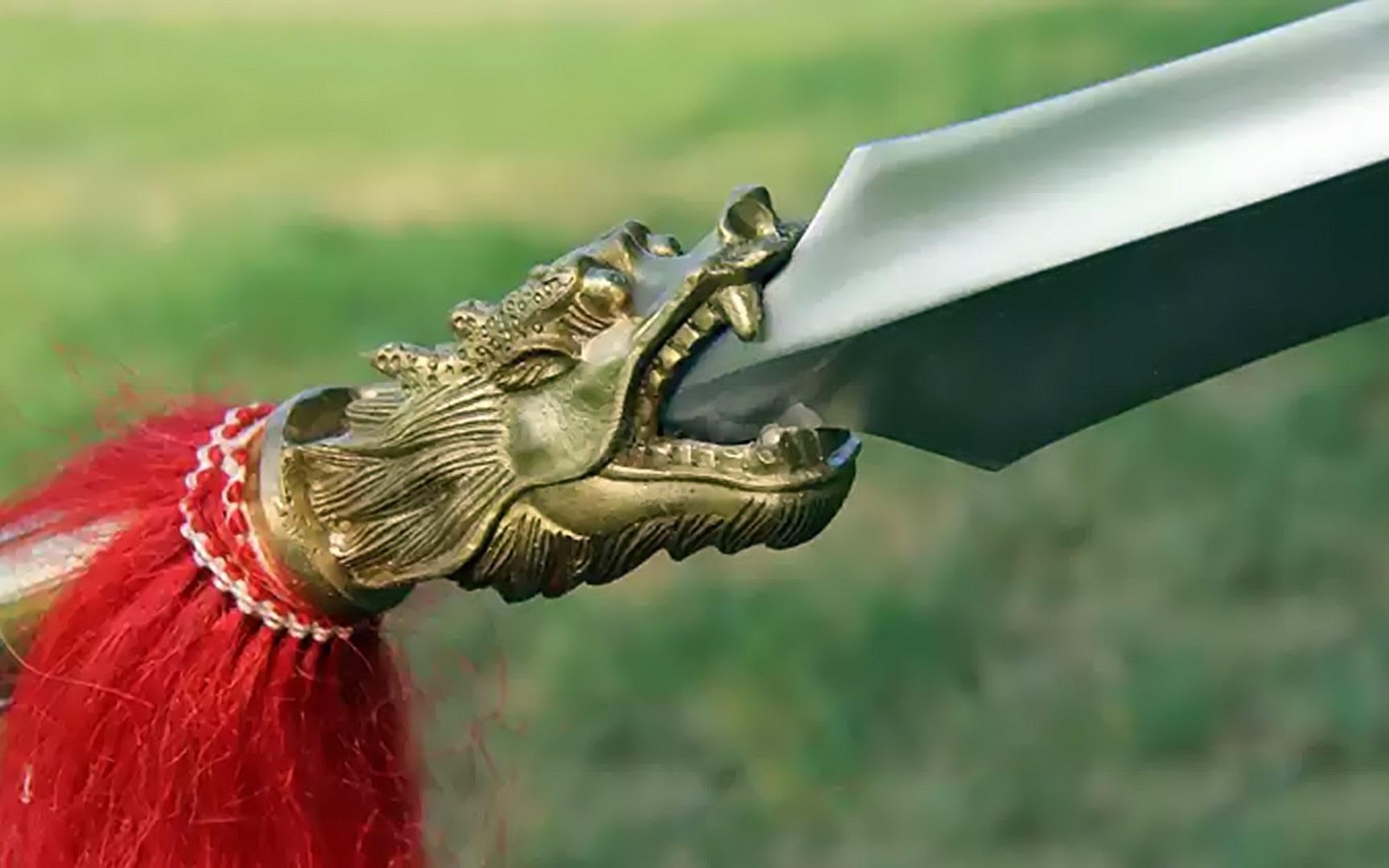 小霸王骁勇善战,红缨枪战无不胜,却惨死在最亲近的人手里,港片