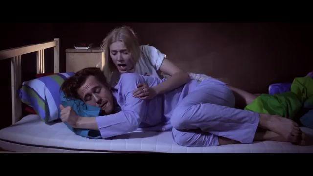 Kollektivet- Music Video - When am I supposed to Blossom