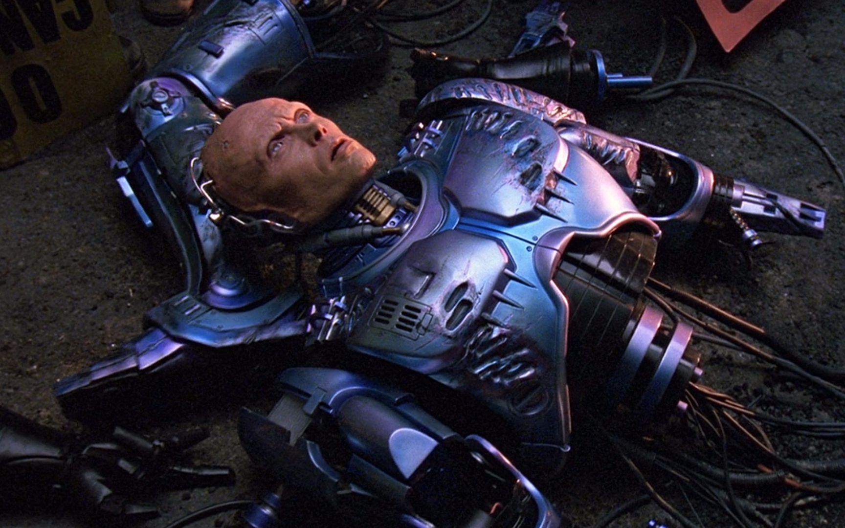 6分钟看完科幻电影《机械战警2》机械战警落入毒贩的陷阱,被残忍大卸八块,看他如何绝地反击!