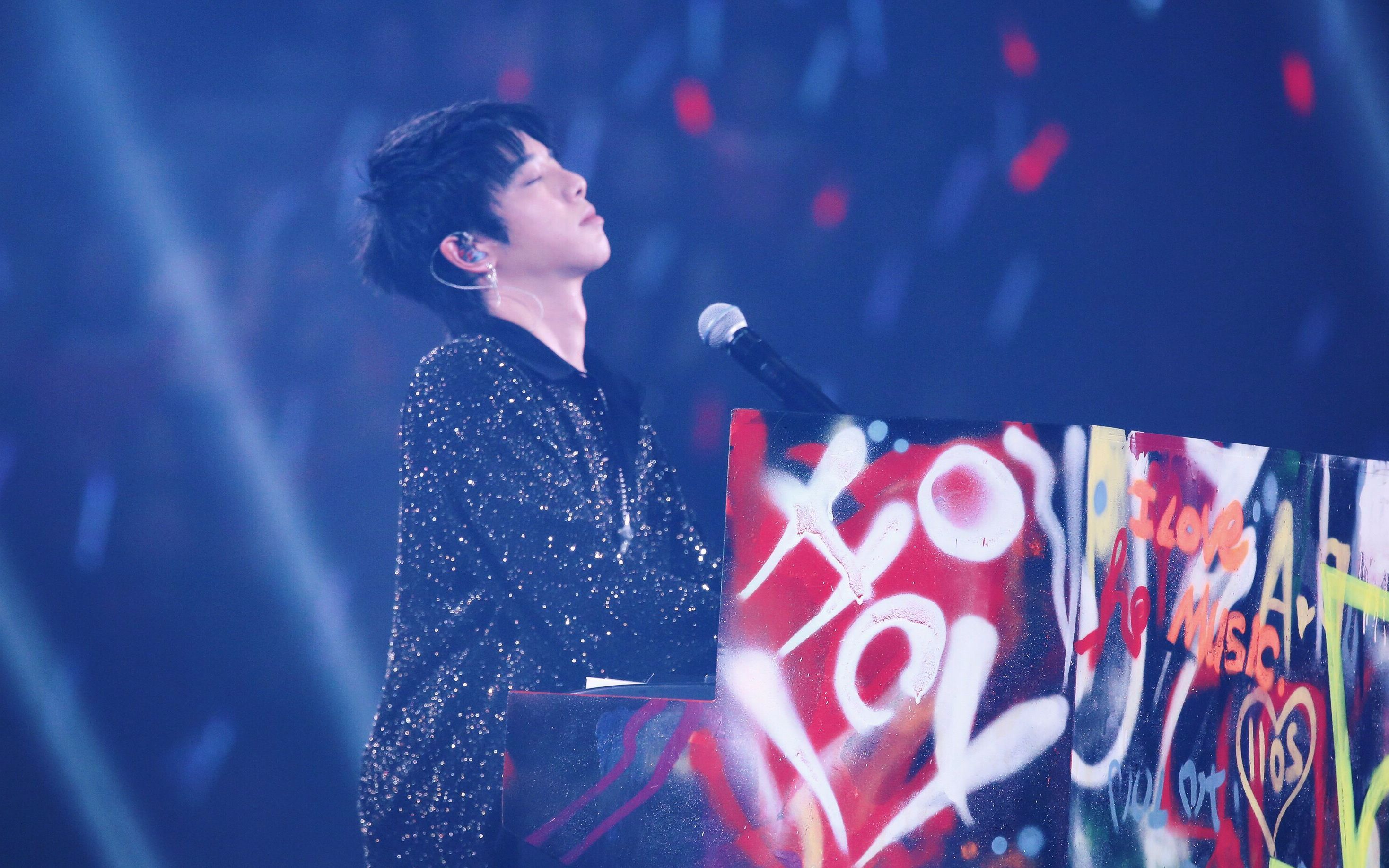 唱一首歌被罚12万!华晨宇为了满足粉丝,啥任性的事儿都会干