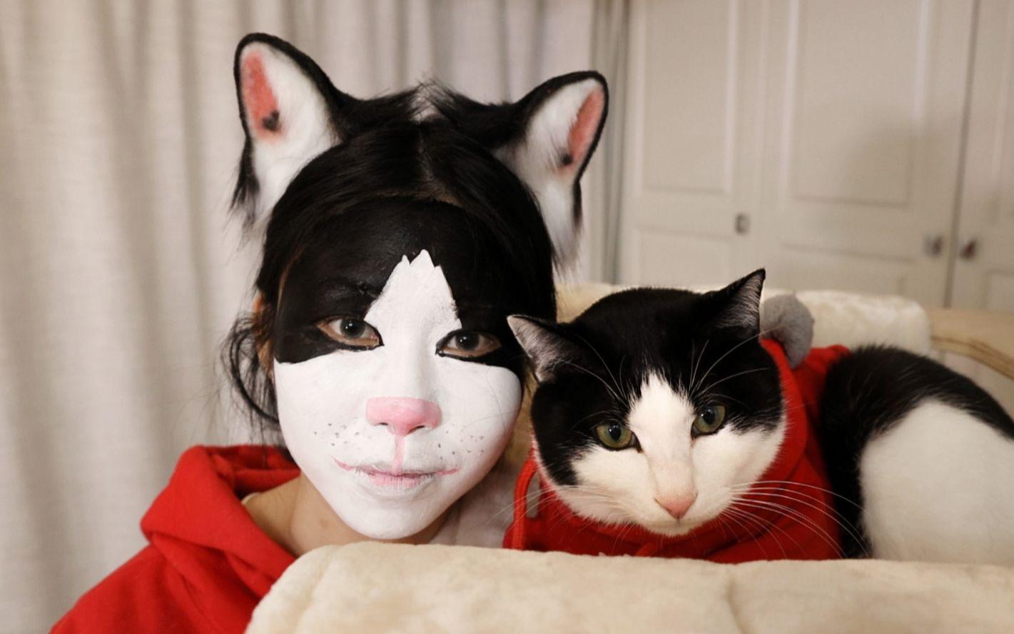 主人化猫仿妆,本猫一看惊了,猫:我???【花花与三猫】