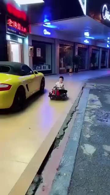 这是挨了多少顿毒打才练就的车技呀!