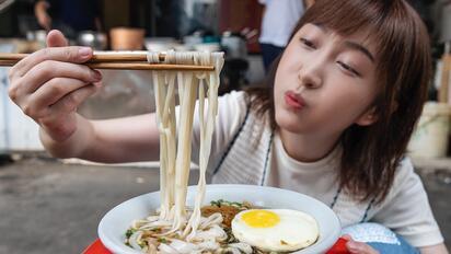 什么样的神仙早餐,能让瘦小的湖南妹子连吃2碗?