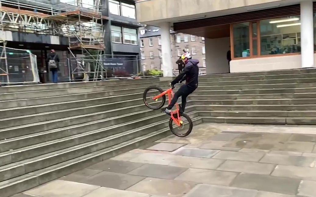 街攀大神Danny MacAskill丹尼,教你上楼梯!