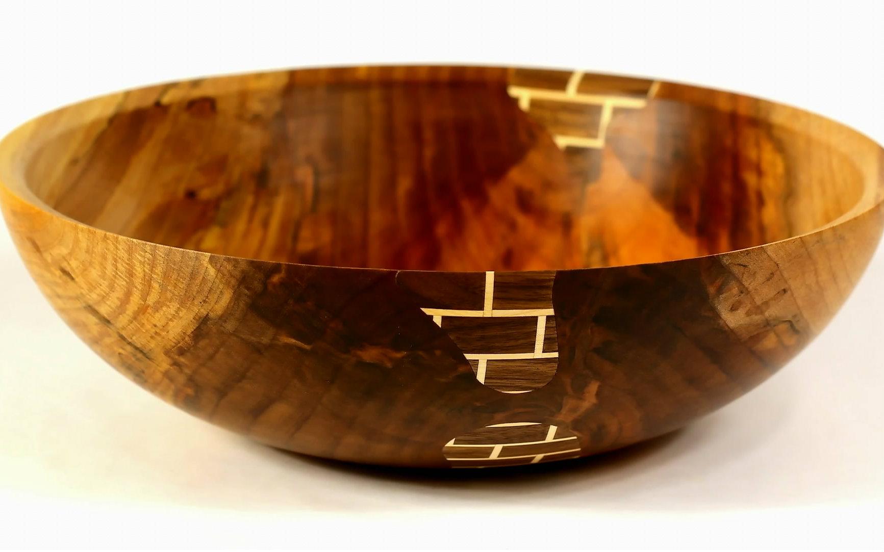 制作一个漂亮的砖块花纹木碗图片