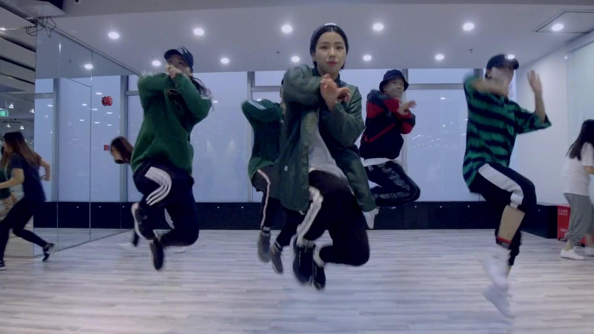CASTER舞蹈作品︱LYNN - 《NAMANANA》张艺兴