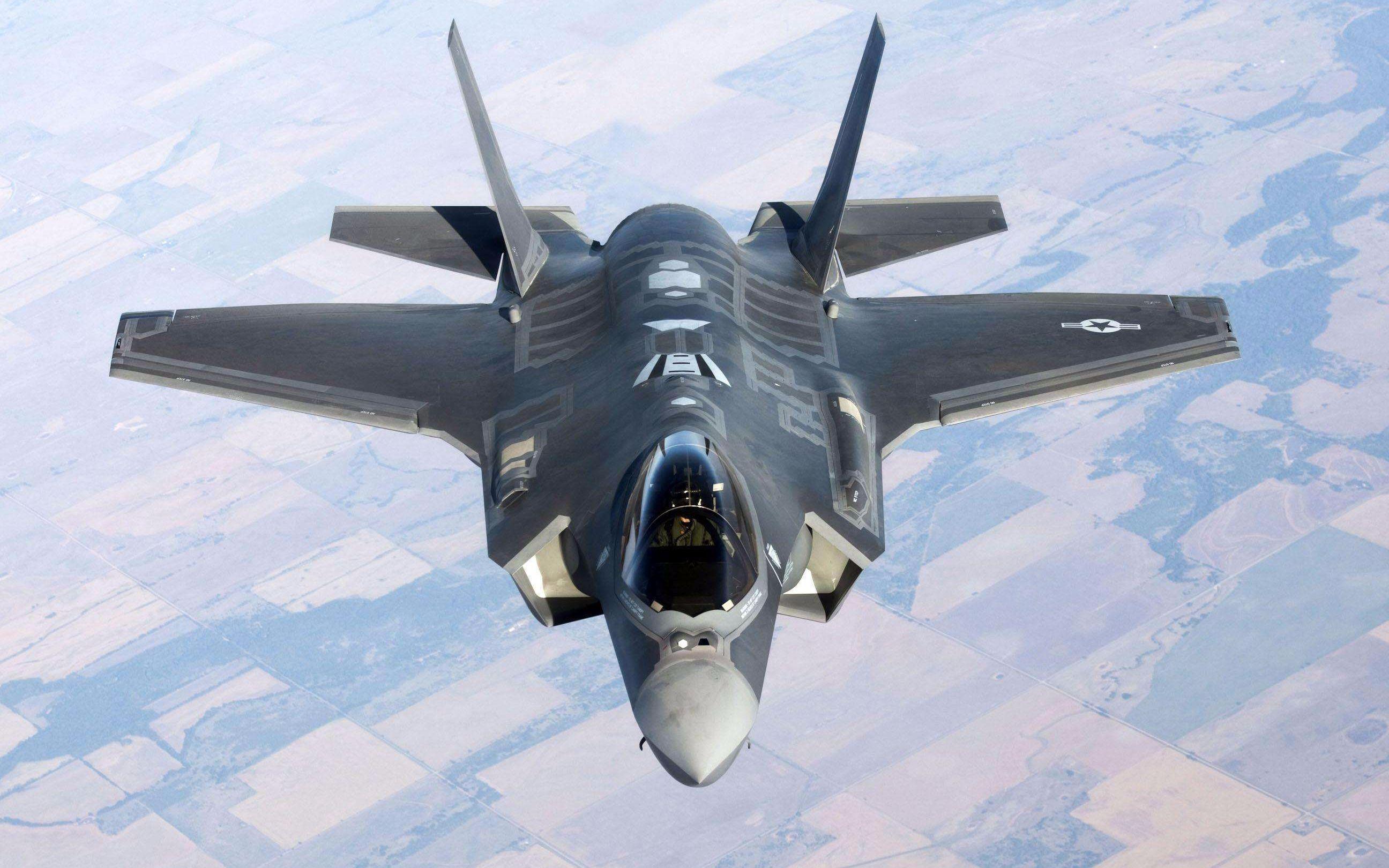 驾驶f22猛禽战斗机是种什么体验