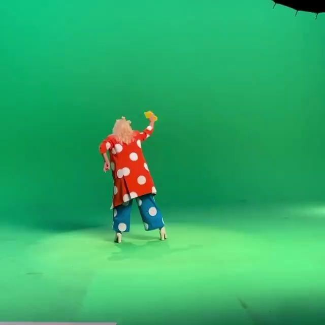 【Katy Perry】无实物表演艺术家实锤!水果姐 Smile MV拍摄背后