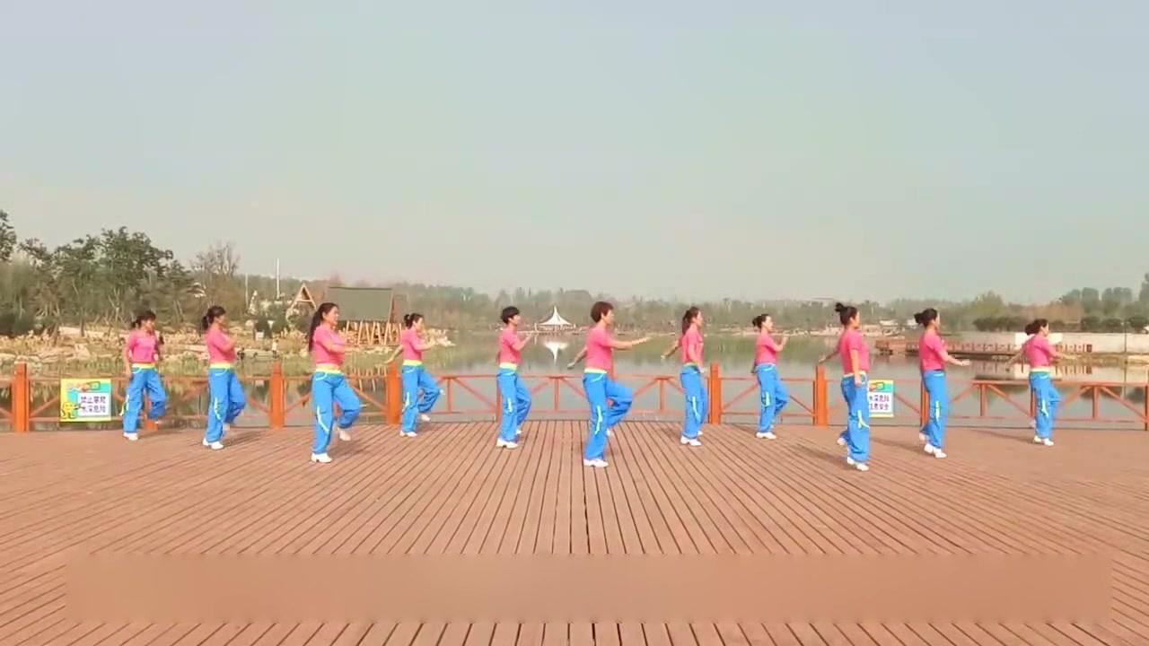 最流行,超人气创意舞广场舞,学出健康《在心里从此永远有个你》
