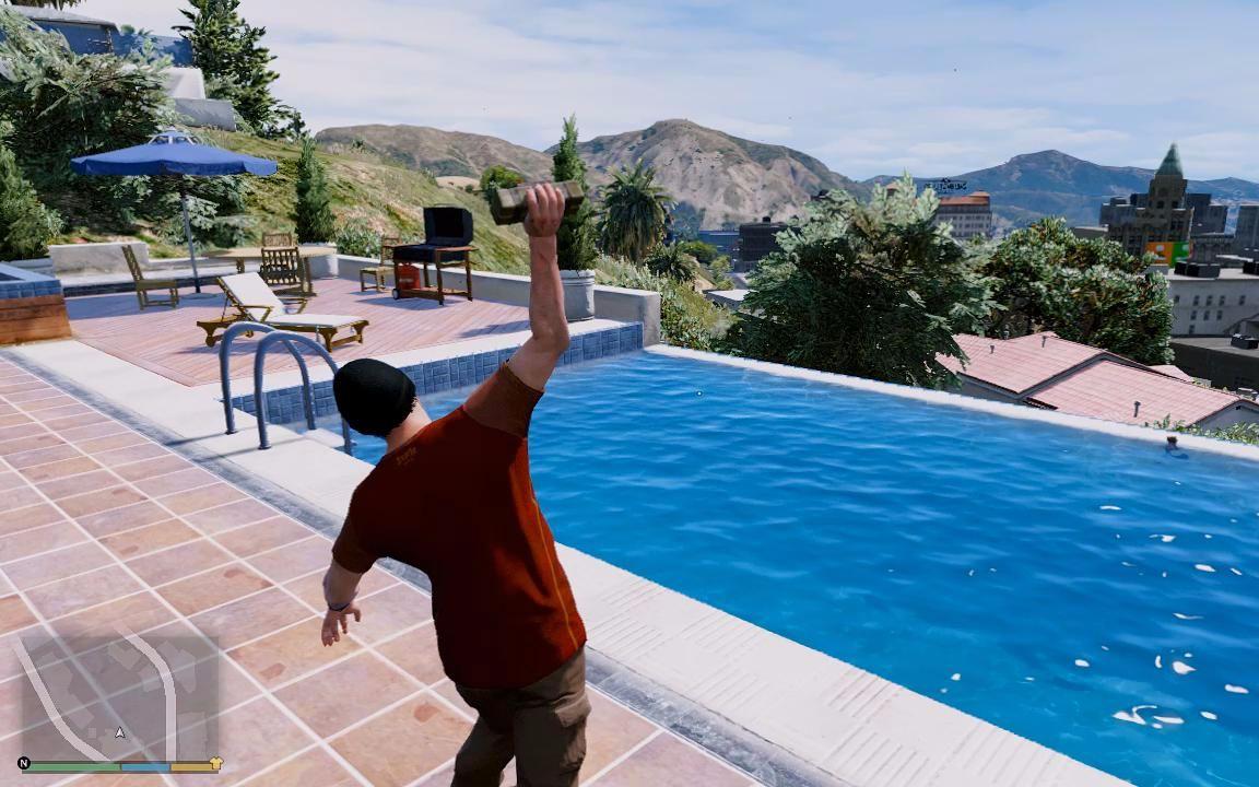 银月游戏gta5老崔偷偷跑到小富豪宅游泳还丢了20颗黏雷下去