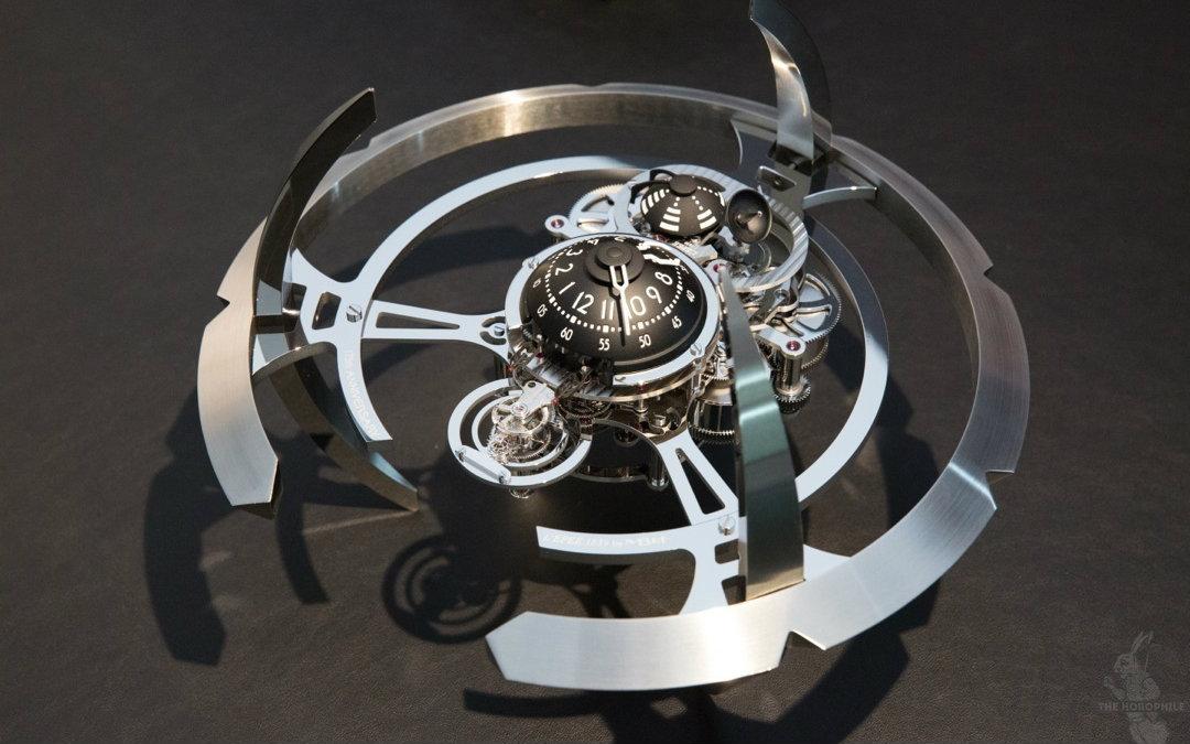 摆钟内部的结构图