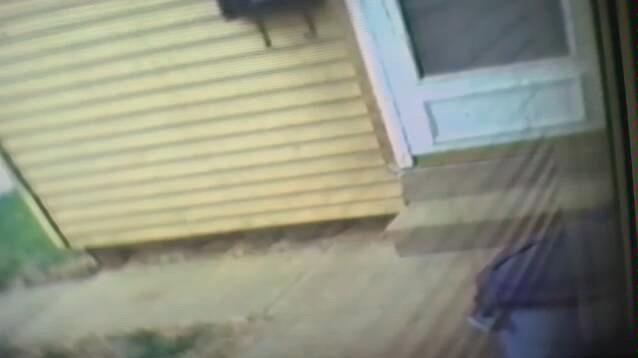 【油管诡异视频】Hi8 BACK DOOR / LOFT MONITOR 2b - YouTub