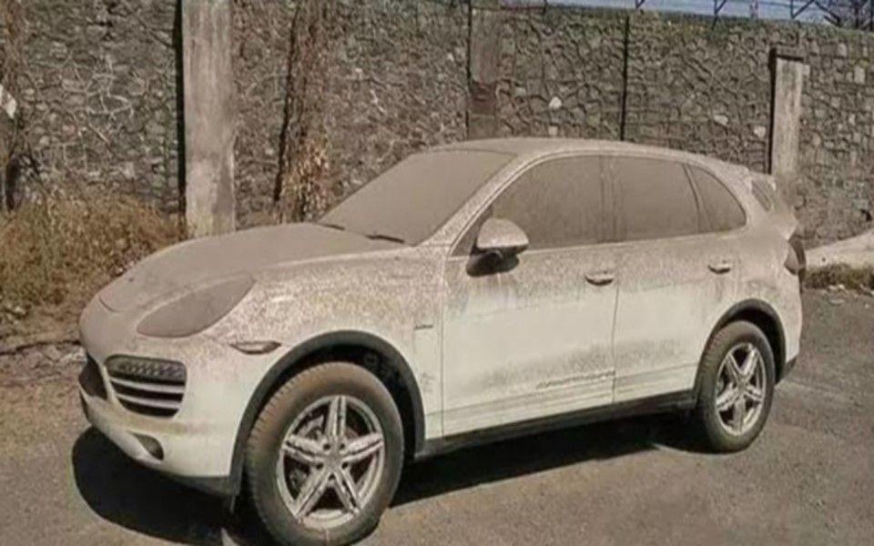 男子故意让自己的车积满灰尘...没想到几天后尽为自己带来巨额财富
