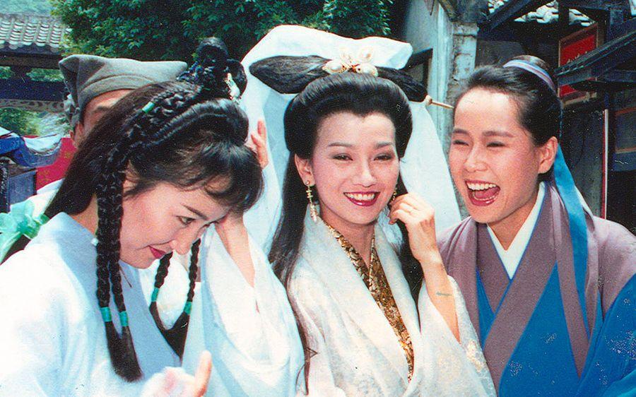 搞笑一家人拍摄花絮_新白娘子传奇绝版爆笑NG片段_哔哩哔哩 (゜-゜)つロ 干杯~-bilibili