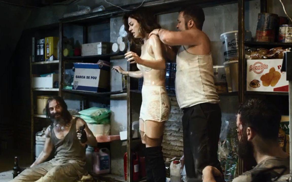 5人被困酒吧,上演了一出人性好戏,最后只有一