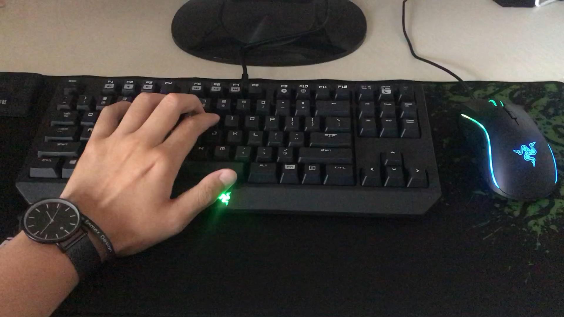 黑轴机械键盘声音_机械键盘 雷蛇87绿轴声音_哔哩哔哩 (゜-゜)つロ 干杯~-bilibili