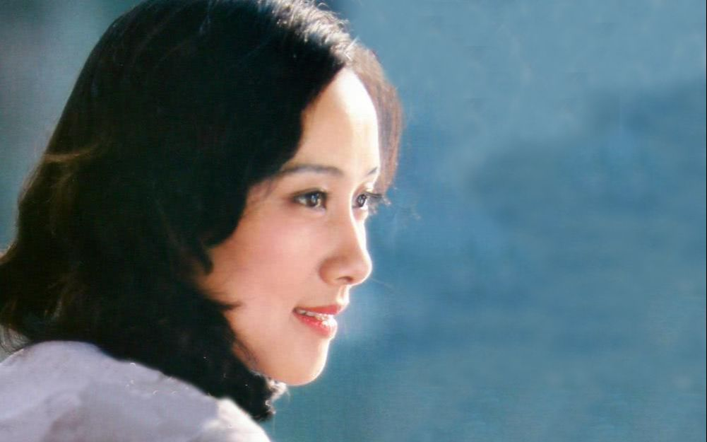 黄梅莹:成名于《渴望》,55岁获金鸡奖,70岁凭《囧妈》翻红