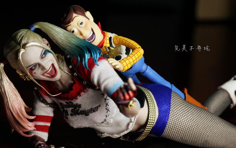 【完美的玩具】黑丝大白腿和小白兔最性感小丑女-hottoys-自杀 ...