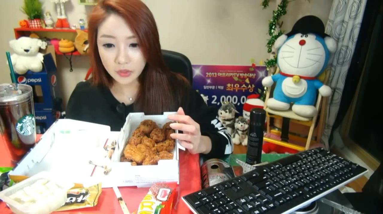 朴主播av_朴淑妍1——韩国女主播吃货吃饭直播真的是什么都吃真漂亮(av2369483