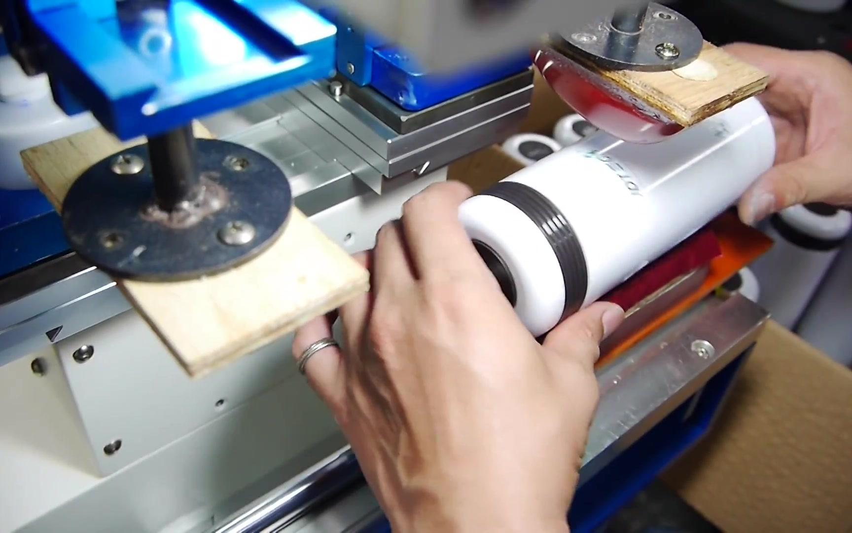 【印刷爱好者】【移印】保温瓶上的logo图案是怎么印的?金属材质移印