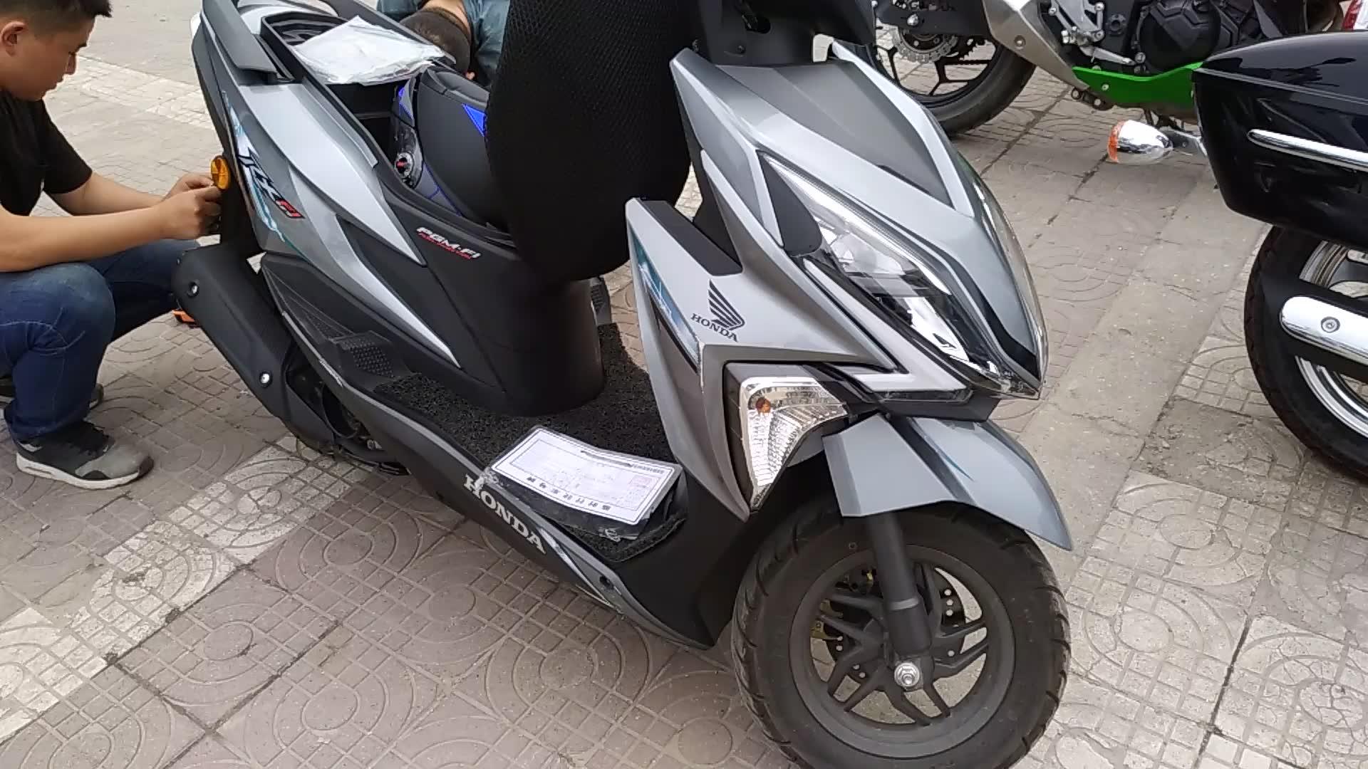 本田魔戟边箱_新大洲本田125,本田PGM-Fi电喷,同级别踏板摩托车中就选它_哔哩