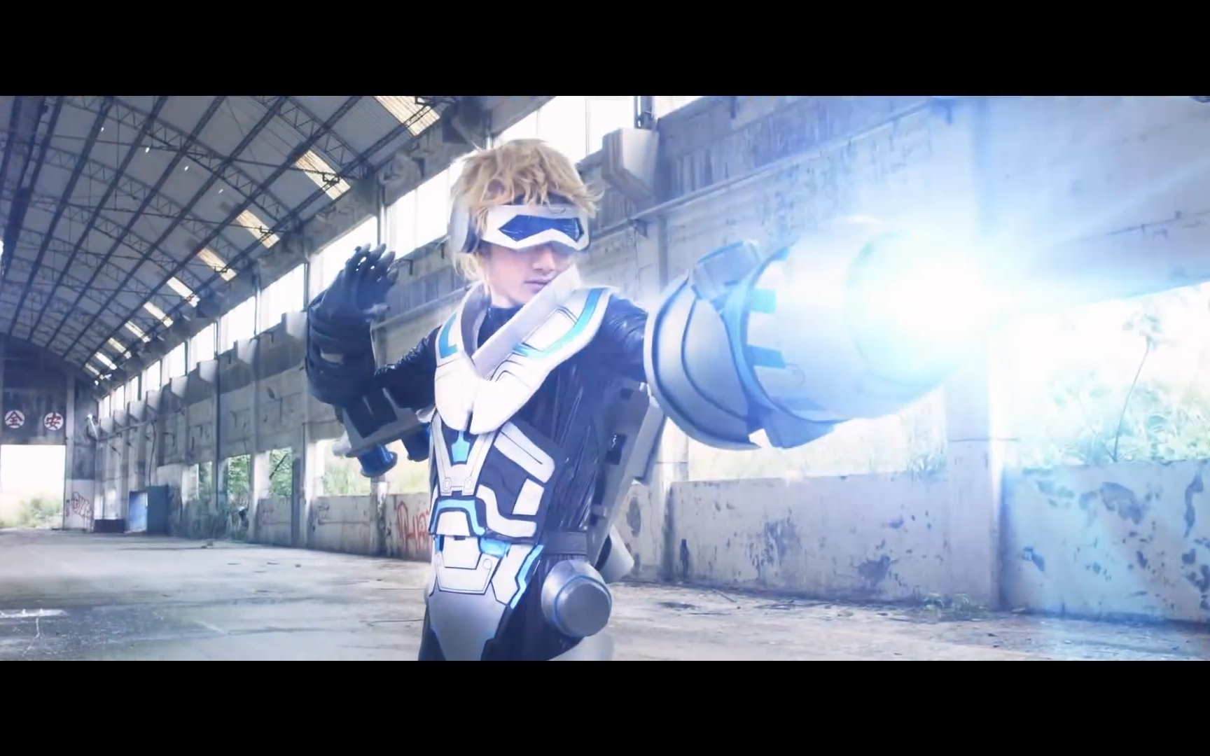 英雄联盟cosplay系列:台湾玩家自制战斗,特效很不错