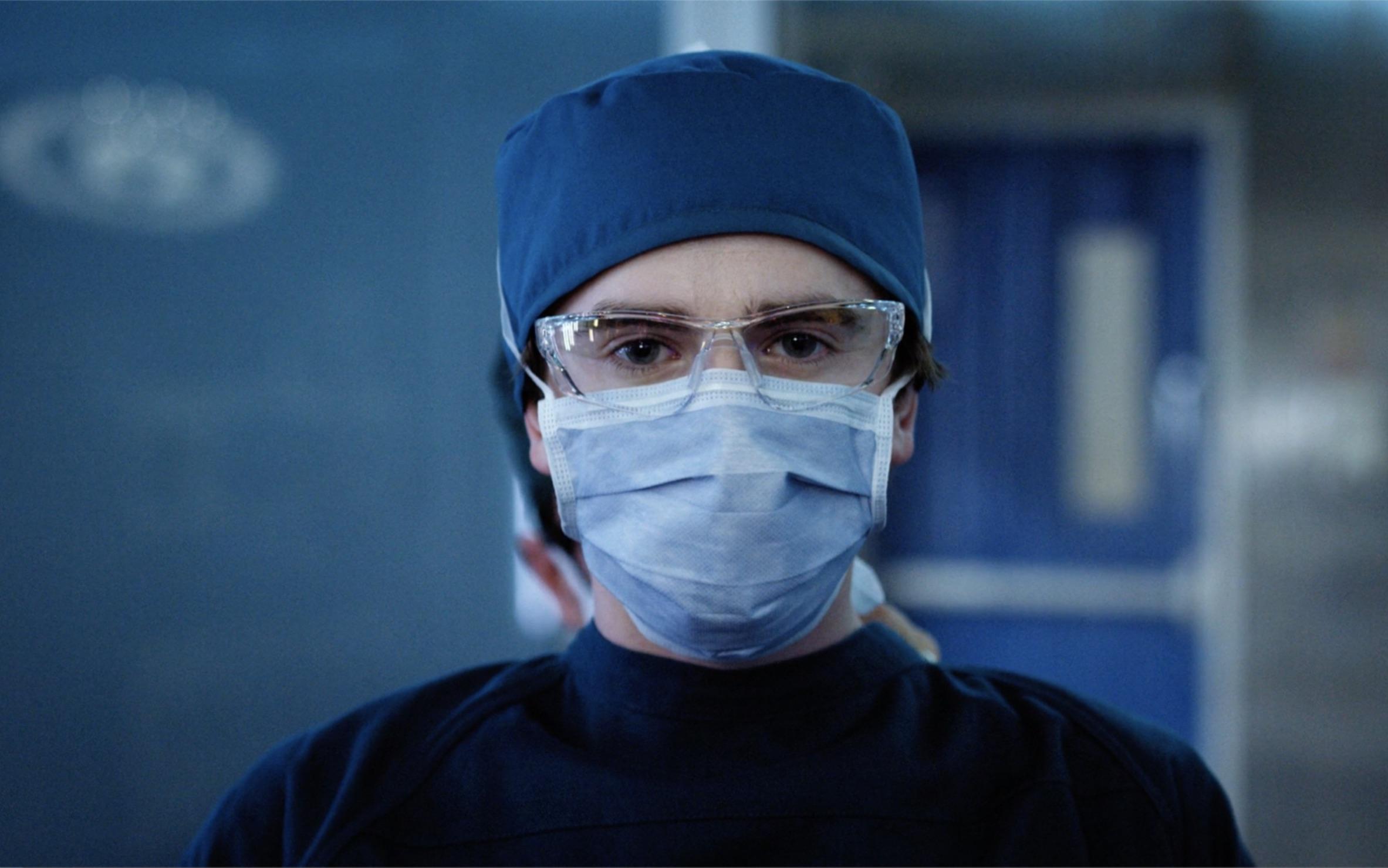小女孩只是肚子疼,天才医生却说她活不过今晚!